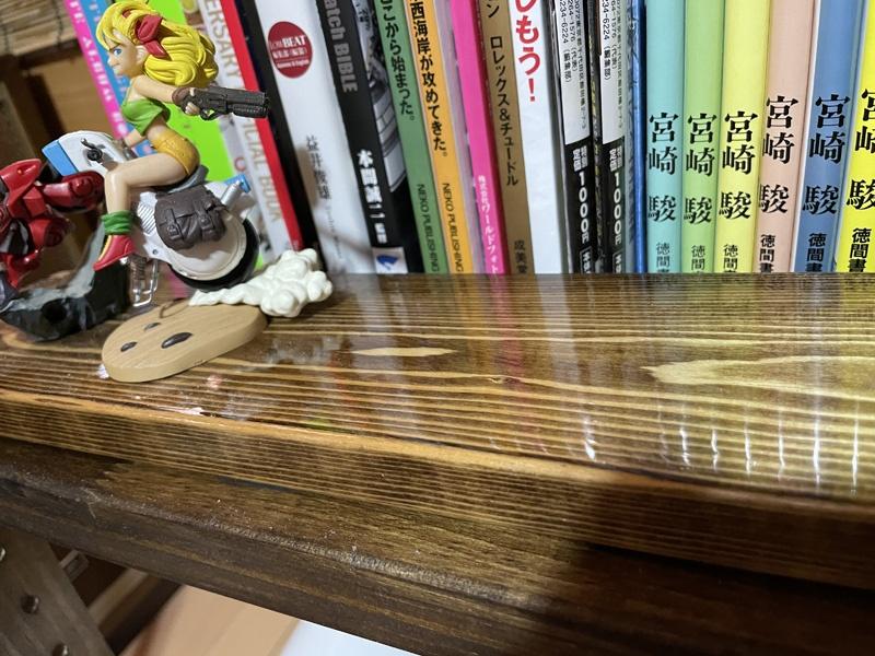 ニスのテストをした木材